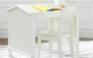 mẫu bàn học gỗ đẹp cho bé U47
