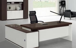 mẫu bàn làm việc văn phòng đẹp của giám đốc U2