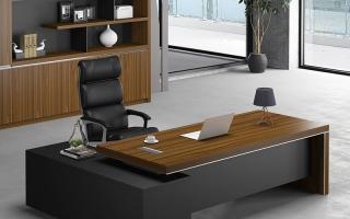 mẫu bàn làm việc văn phòng đẹp của giám đốc U19