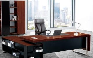 mẫu bàn làm việc văn phòng đẹp của giám đốc U7